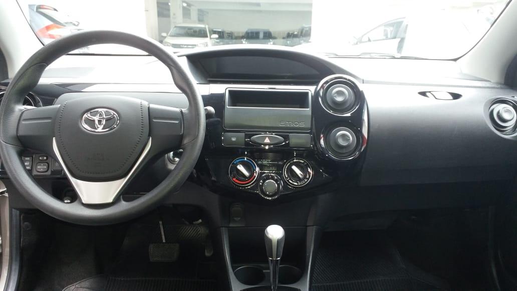 ETIOS 1.3 Hatch automatico 2019 full